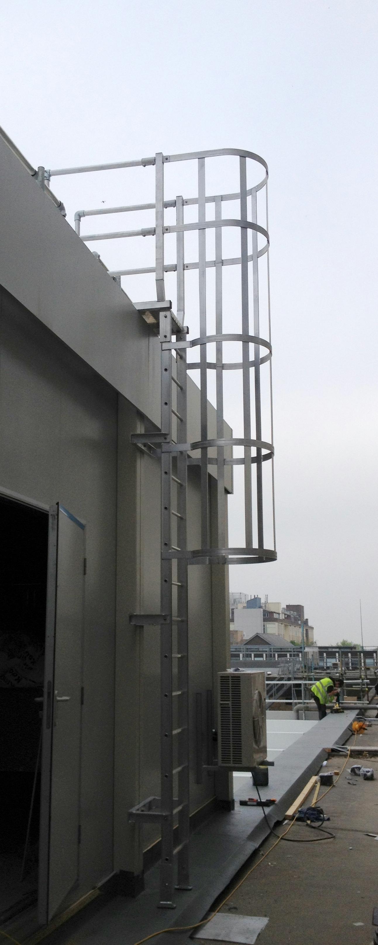 Companionway Ladders Amp Vertical Hooped Ladders Mcd