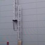 Ladder with intermediate platform