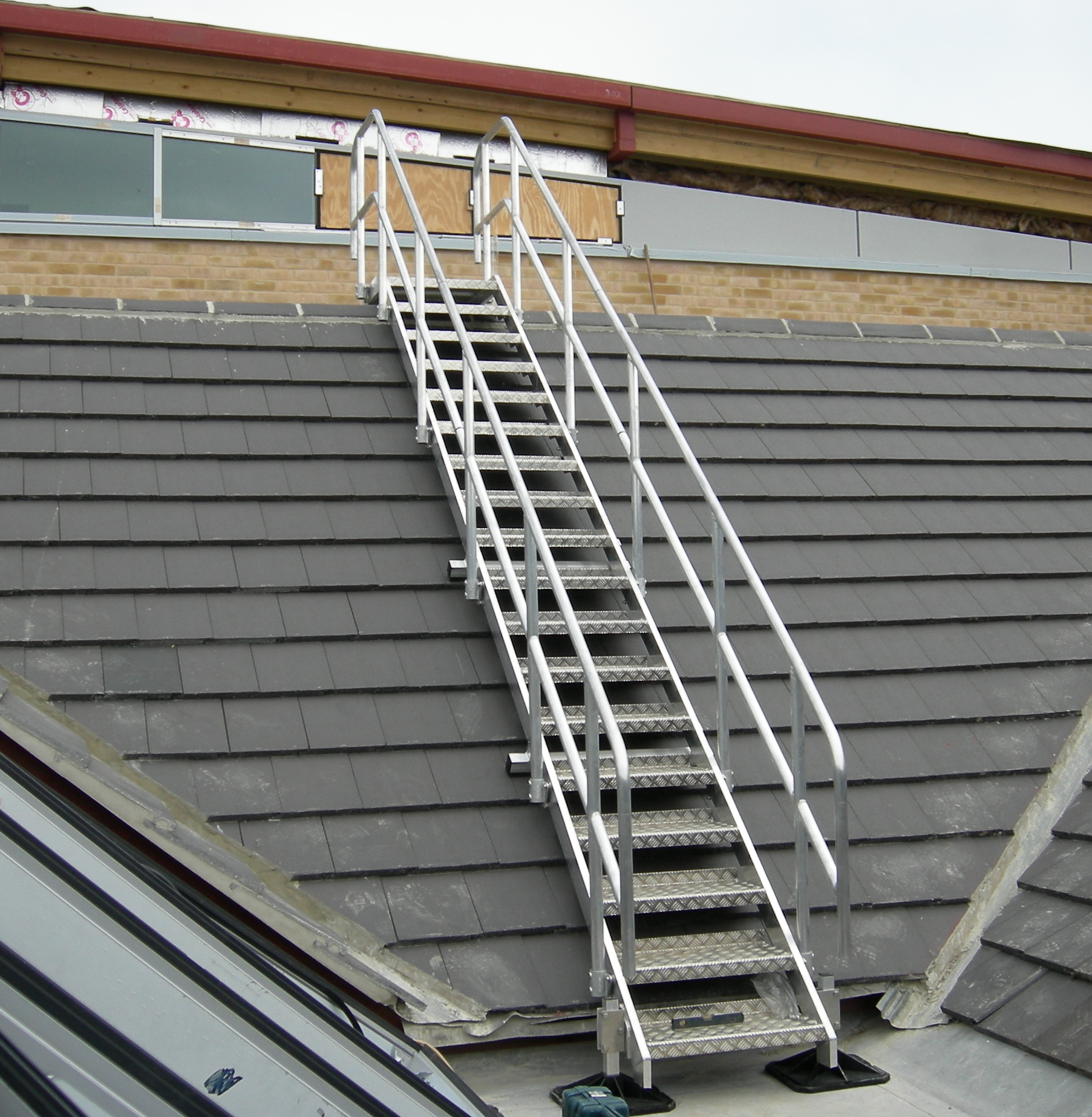 Stairs step overs mcd design supply and for How to roof a house step by step
